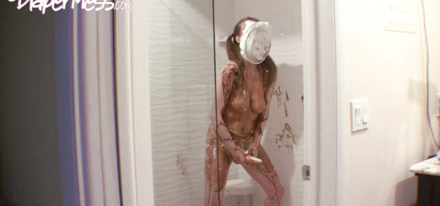 Exclusive custom video! Natalia steps into the shower where she quickly wets her diaper. What a turn on! She then pours chocolate syrup all over her body, making sure to […]
